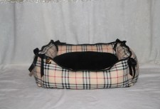 sc-dogbows-glam-bed-burberry-style