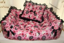 sc-dogbows-glam-bed-kitty
