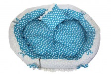 zc-dogbows-bed-blue-white-hearts-a