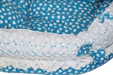 zc-dogbows-bed-blue-white-hearts-d