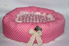 zc-dogbows-bed-polka-dot-pink