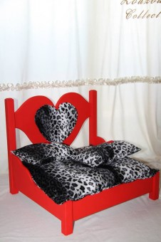 zc-dogbows-bed-red-leopard-1